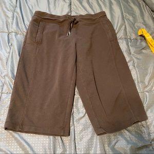 Danskin now brown Capri pants medium 8 10